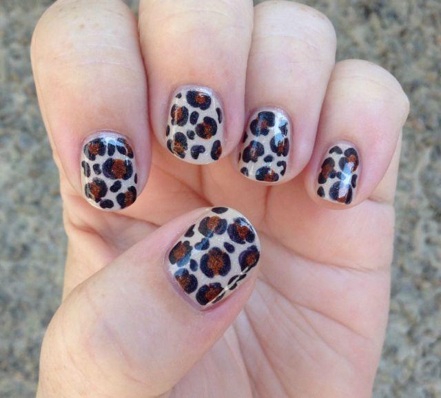 Vanilla Leopard Hand