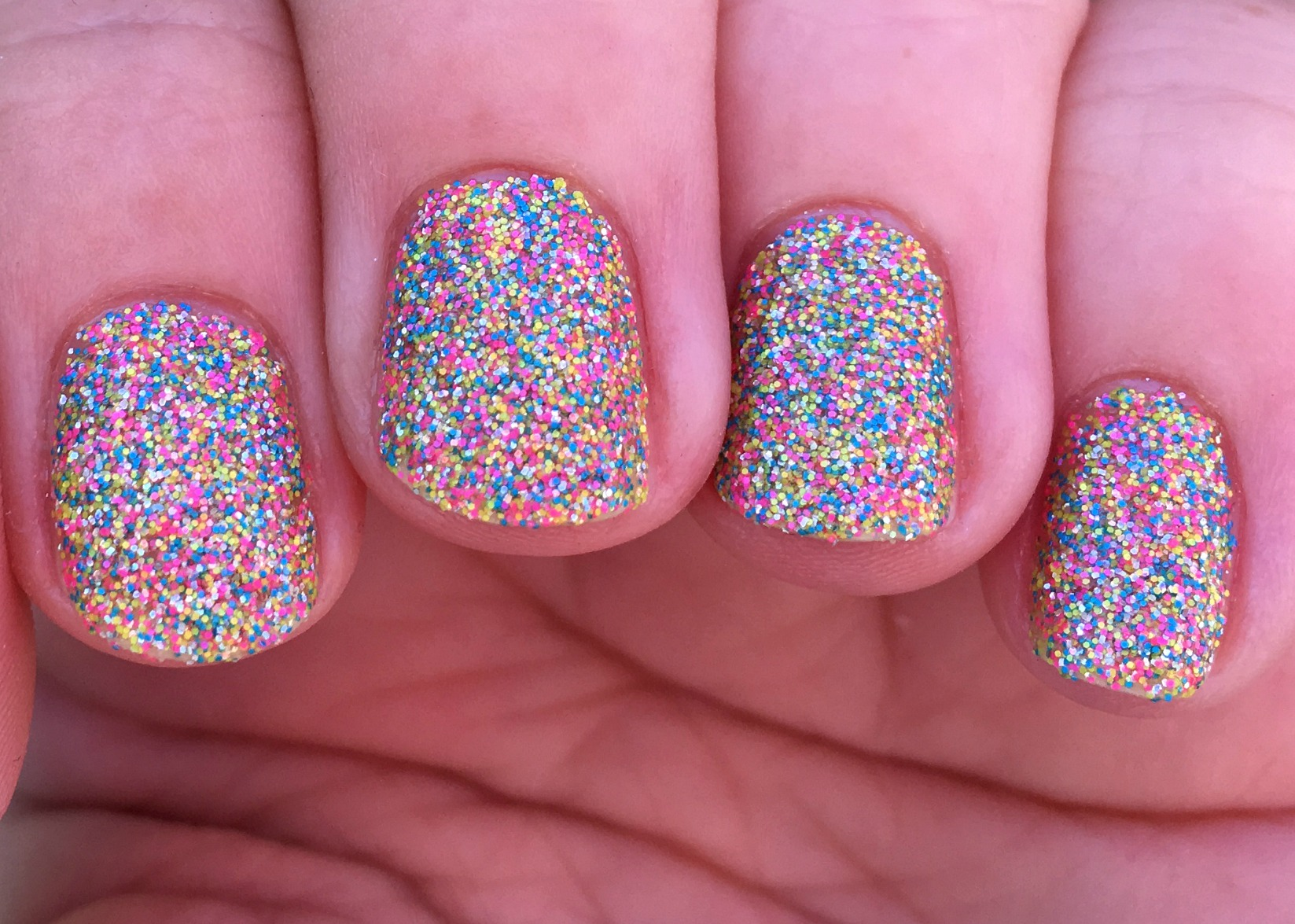 aurora-shade-fingers
