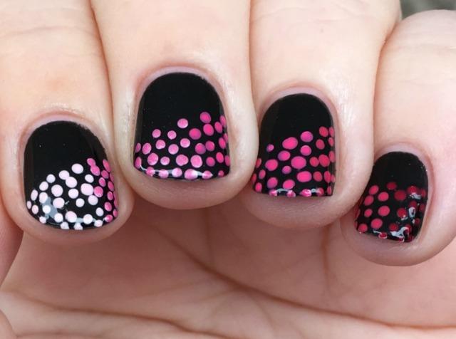 gradient-petals-fingers