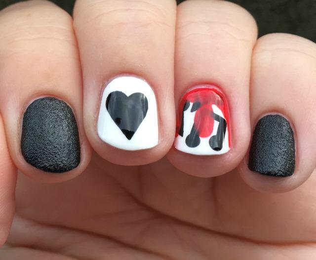 Heart-Shaped Box Fingers